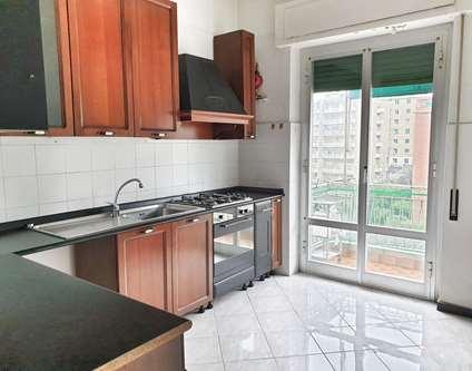 Appartamento Vendita Genova via San Bartolomeo del Fossato Sampierdarena
